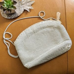 La Regale vintage white chain mesh crossbody bag
